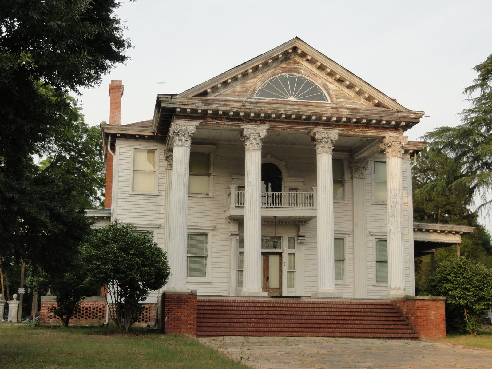 1 bedroom apartments midtown memphis tn%0A Abandoned Mansions For Sale In Tennessee