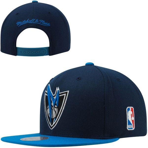 8f16171470b Mitchell   Ness Dallas Mavericks XL Logo 2-Toned Snapback Hat - Navy Blue