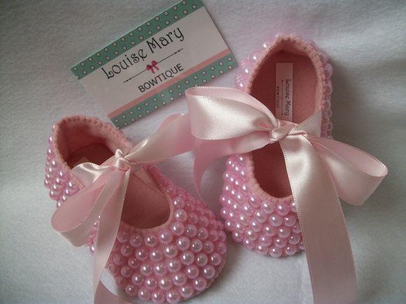 5b89720566 Compre Sapatilha bebe bailarina Luxo com pérola no Elo7 por R  57