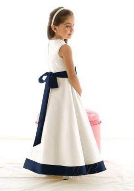 Image from http://www.omydress.co.uk/images/uplode/0wpd/Black-and-white-formal-flower-girl-dresses-wpd04100-2.jpg.