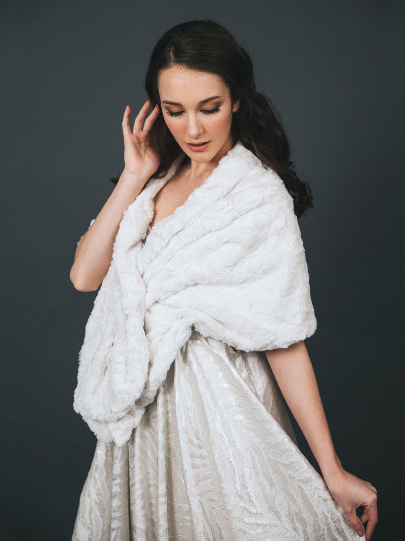 Davie & Chiyo Spring/Summer 2016 Lookbook Bridal fur