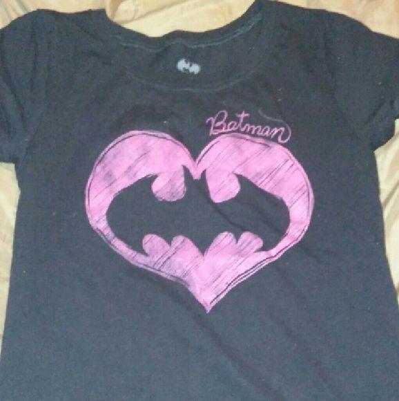 Batman Tee shirt Black shirt with Batman in fusia color pretty i never wore it I believe it's an XXL in Jr's CUTE SHIRT batman Tops Tees - Short Sleeve