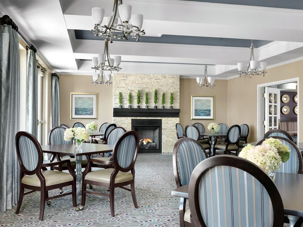 Senior living interior design senior living pinterest for Nursing home dining room ideas