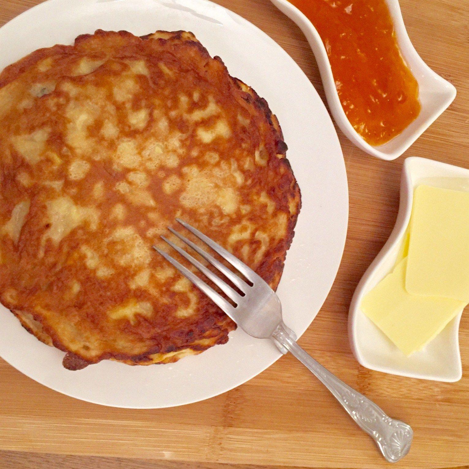 Easy-Peasy Low-Sugar Apple Pancakes With Cinnamon www.captainbobcat.com