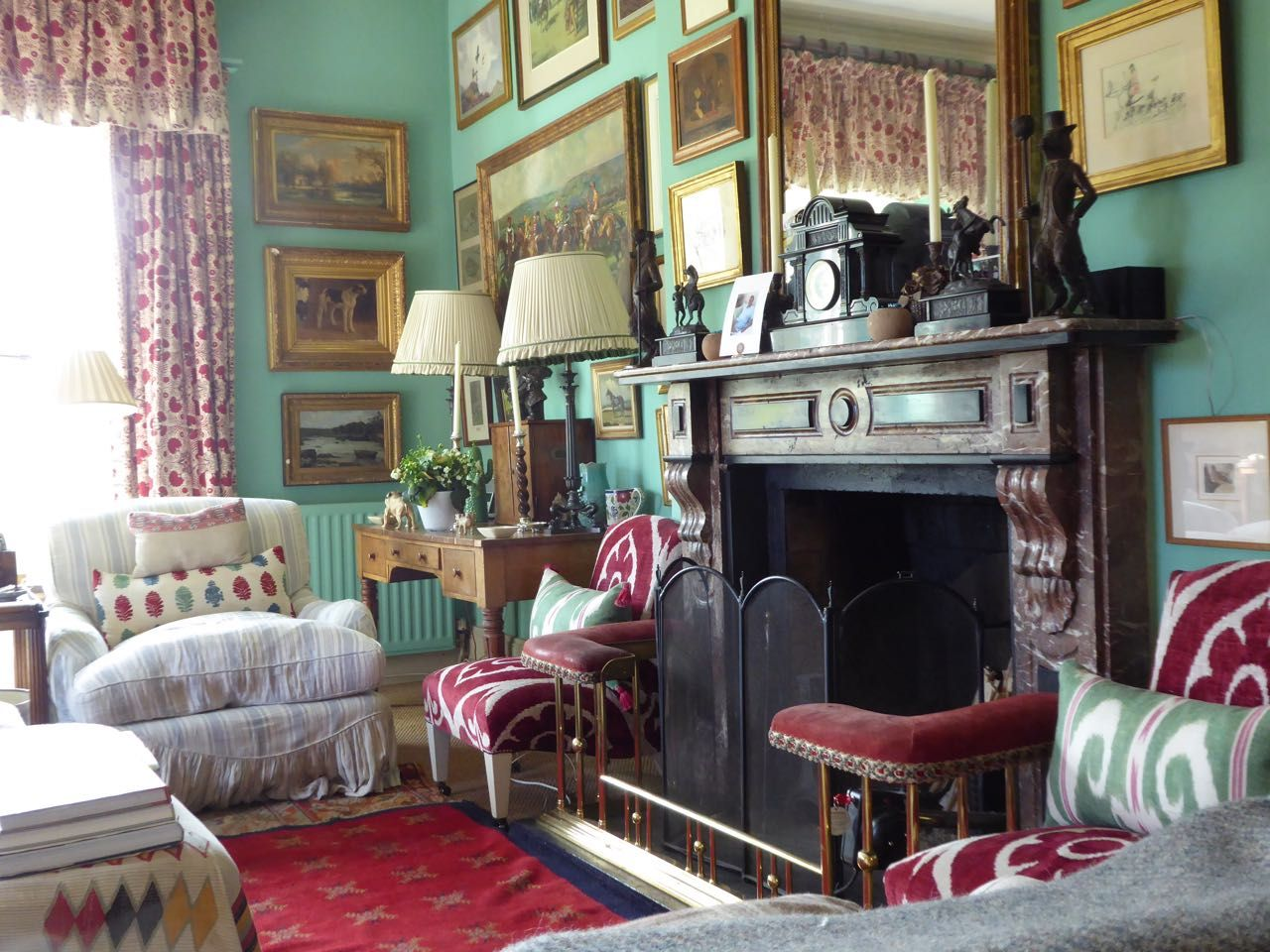 Cozy English And World Styled Sitting Room With: Very English Sitting Room With Great Mix Of Antiques And
