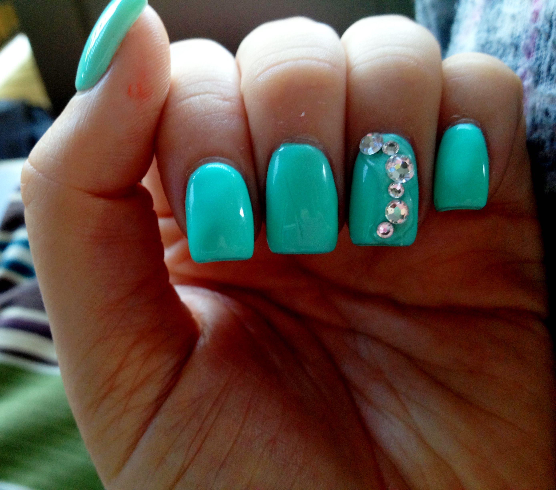 Tiffany Blue Nail Art: Tiffany Blue Nails With Rhinestones :)