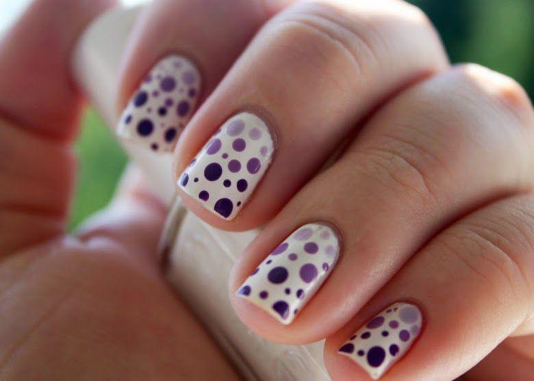 Nageldesign Mit Gradient Punkten Beauty Nails Nails Beauty