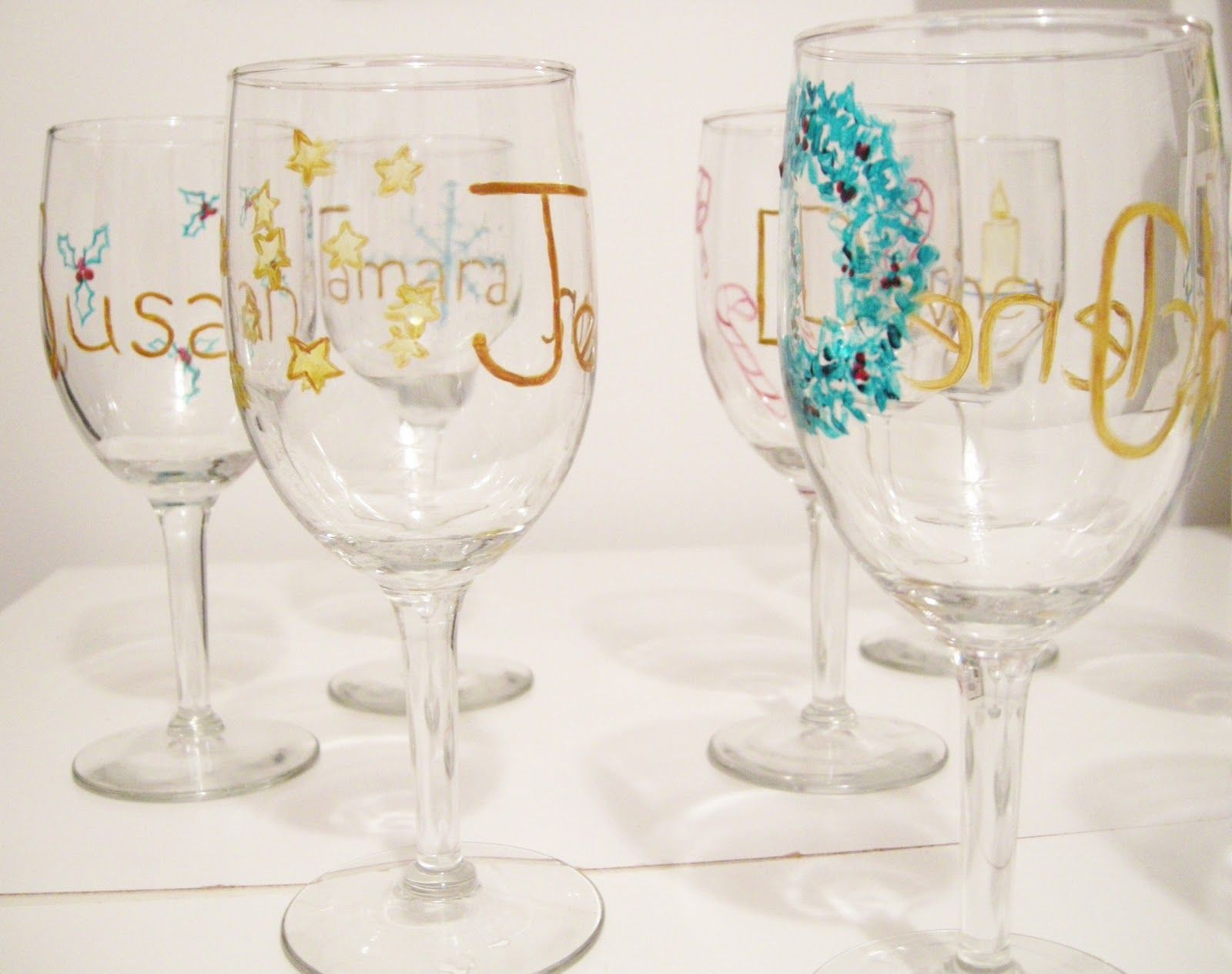 Diy christmas craft easy christmas craft wine glass for Baking enamel paint on glass