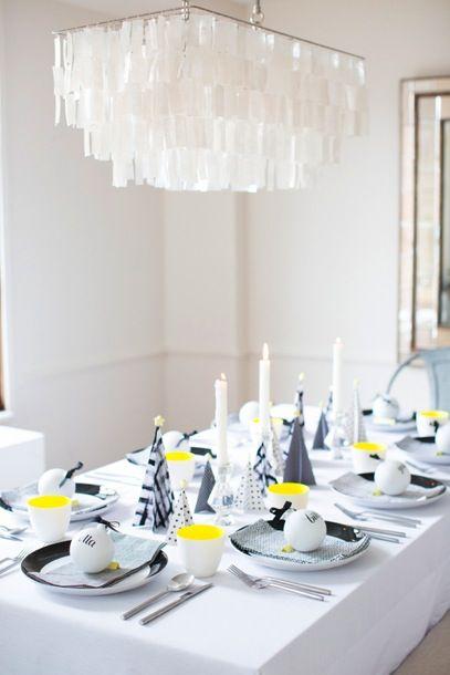La decoraci n de mis mesas una mesa de navidad moderna - Decoracion navidad moderna ...