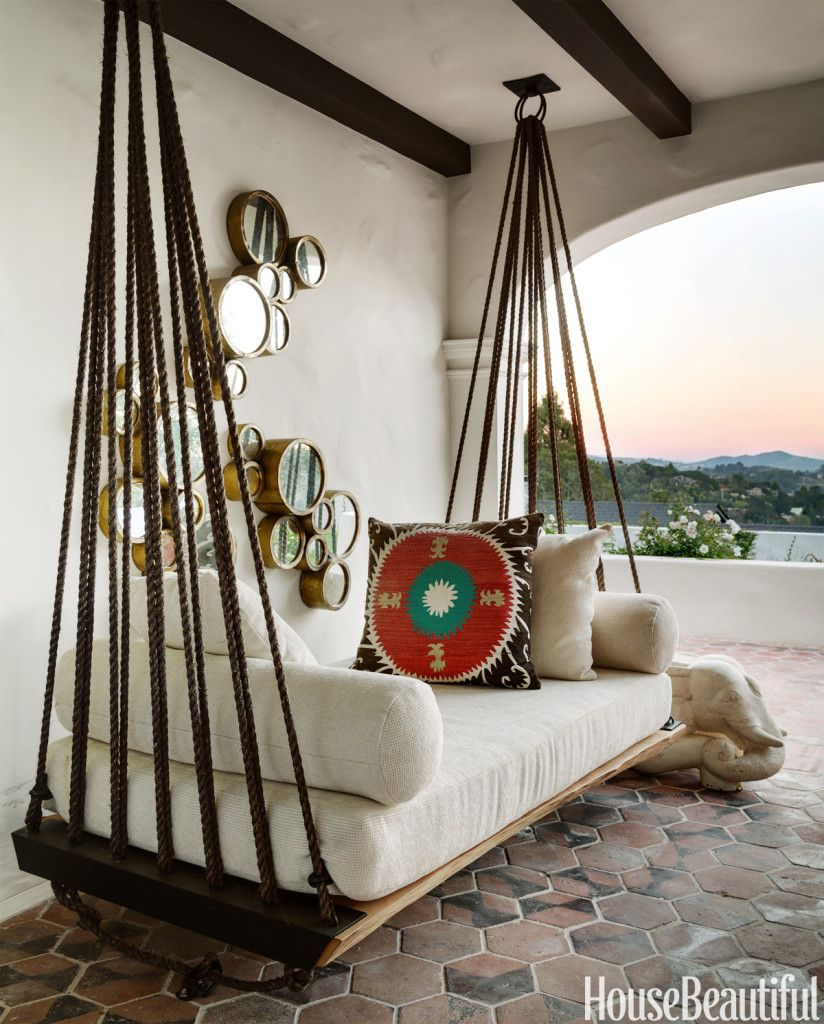 Hanging outdoor bed love the ropes and rings house beautiful via