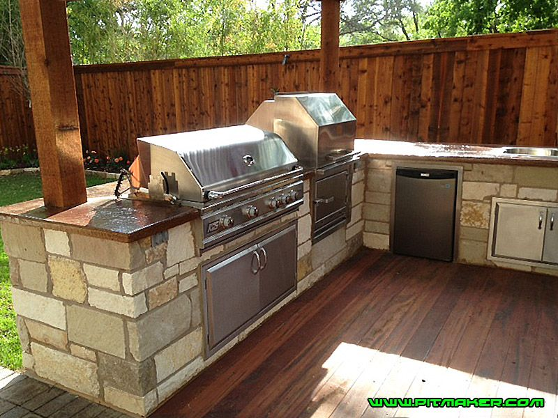 Pitmaker In Houston Texas 800 299 9005 281 359 7487 In 2020 Small Outdoor Kitchens