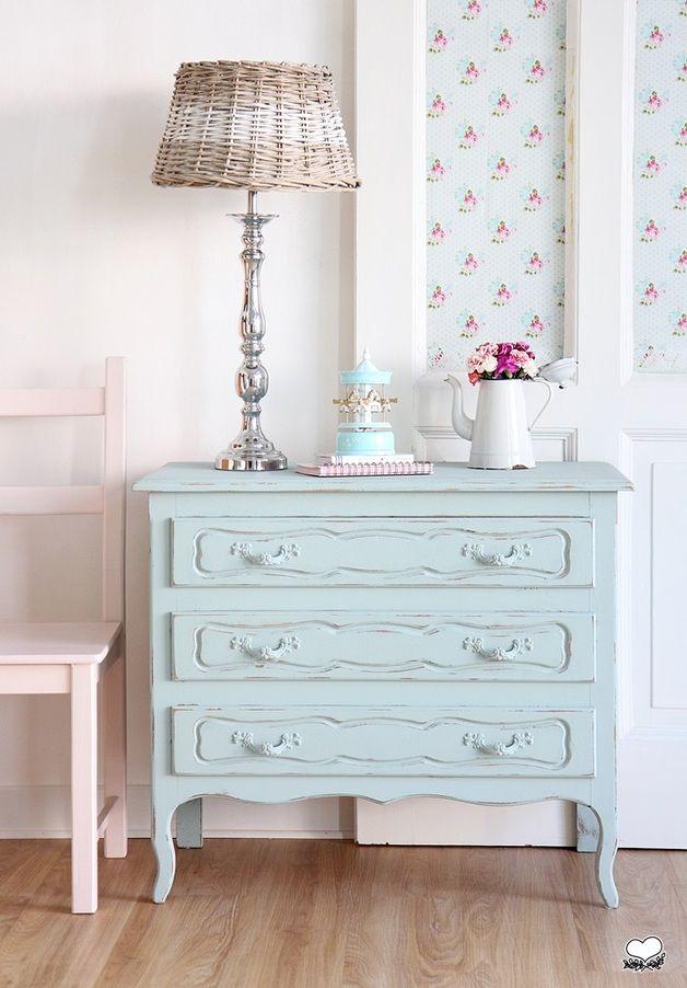 vintage kommoden wundersch ne shabby kommode in t rkis ein designerst ck von bleuetrose bei. Black Bedroom Furniture Sets. Home Design Ideas
