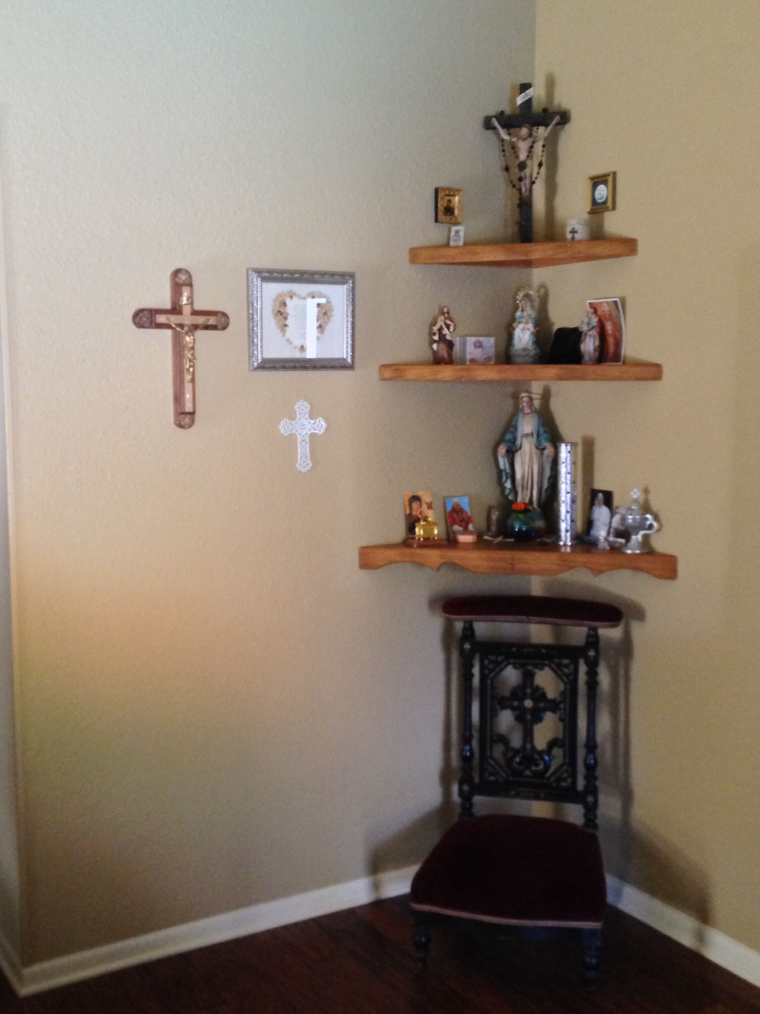 Catholic Home Altar Shown With Sacred Heart Of Jesus Small Statue - Home altar designs