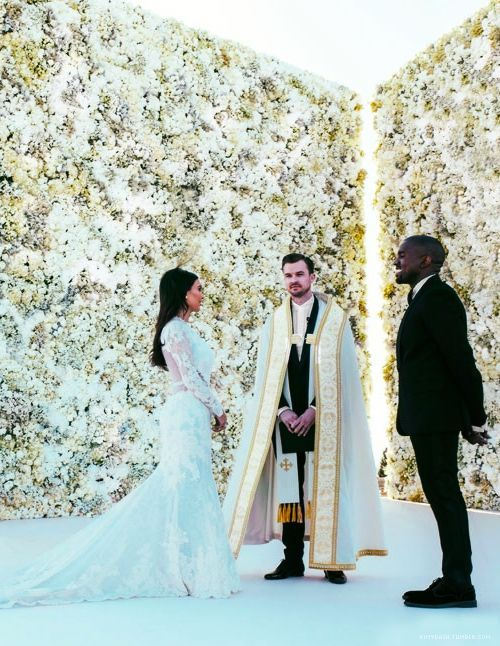 the hottest 2015 wedding trend 22 flower wall backdrops on kim wall id=95947