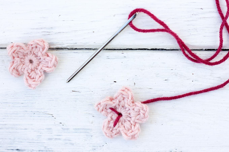 Free Crochet Cherry Blossom Pattern | Flores de ganchillo, Flores ...