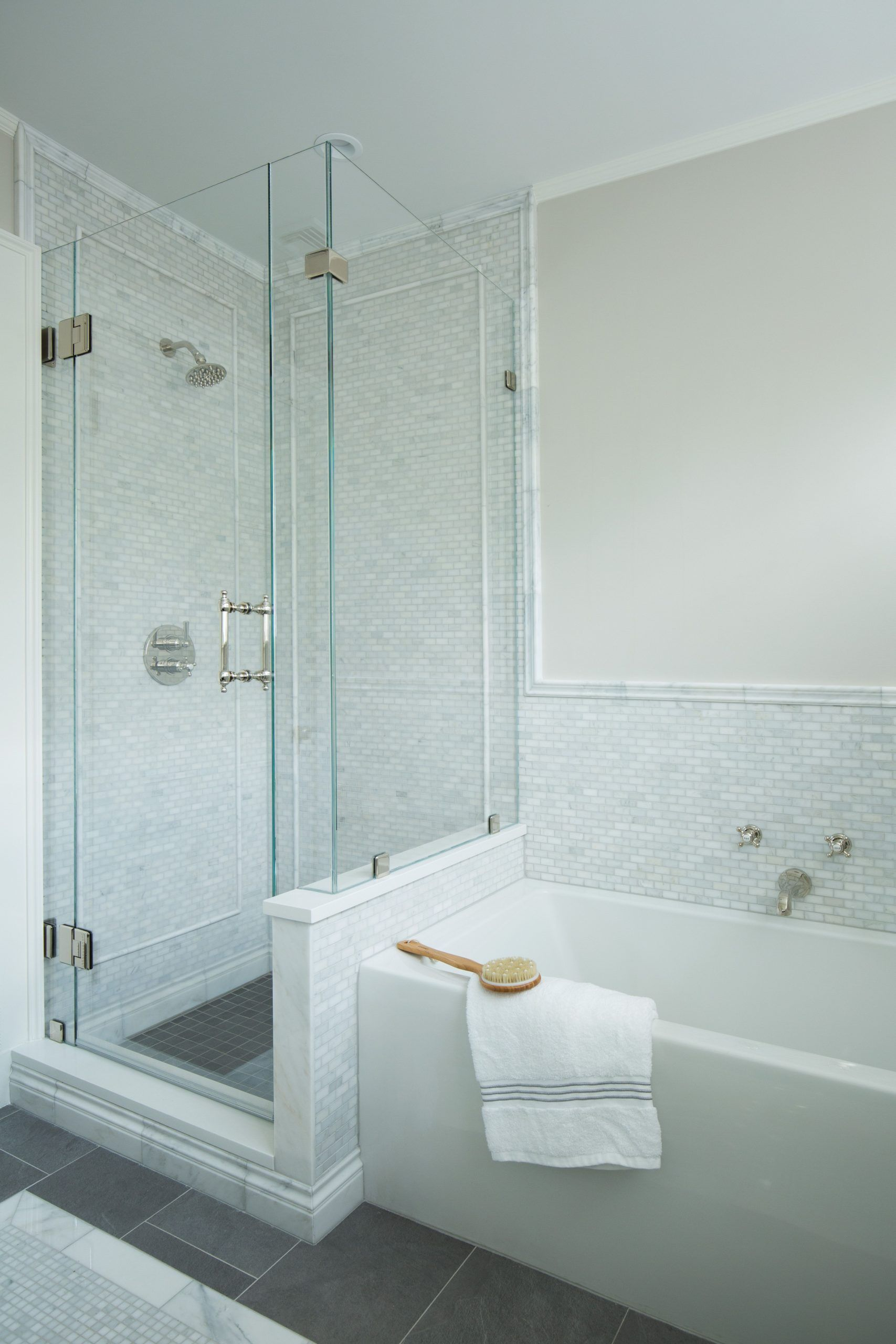 A Comprehensive Overview On Home Decoration In 2020 Tile Walk In Shower Soaking Tub Decor Soaking Tub