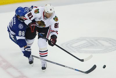Blackhawks shoot at and miss two straight empty nets