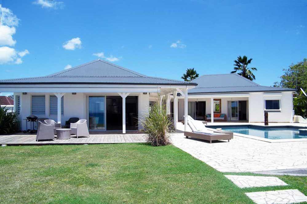 Location vacances villa Sainte-Anne vue du0027ensemble de lu0027intérieur - construire sa maison en guadeloupe