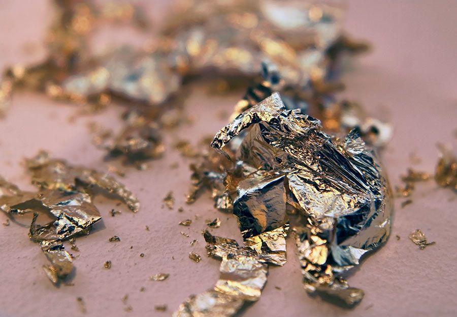 كيفية التنقيب عن الذهب الخام تحت الارض تعرف على كيفية معـالجـة الذهب بعد استخراجه اكتشف اسرار مهمة لكيفية فحص المعادن المدفونة تحت الأر Gold Metal Metal Gold