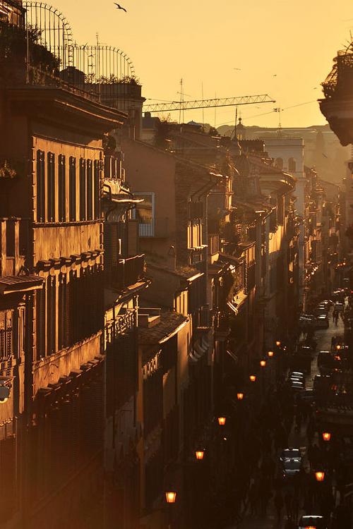 Kato Yuzefovich, Sunset in Rome