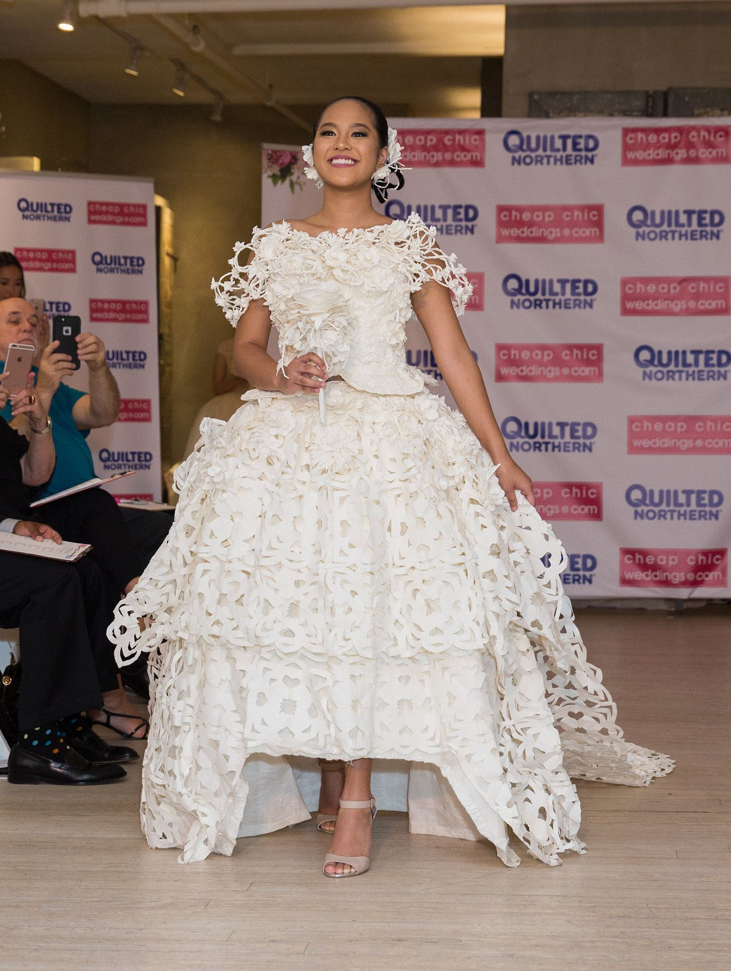14 spectacular toilet paper wedding dresses that will make you gasp ...