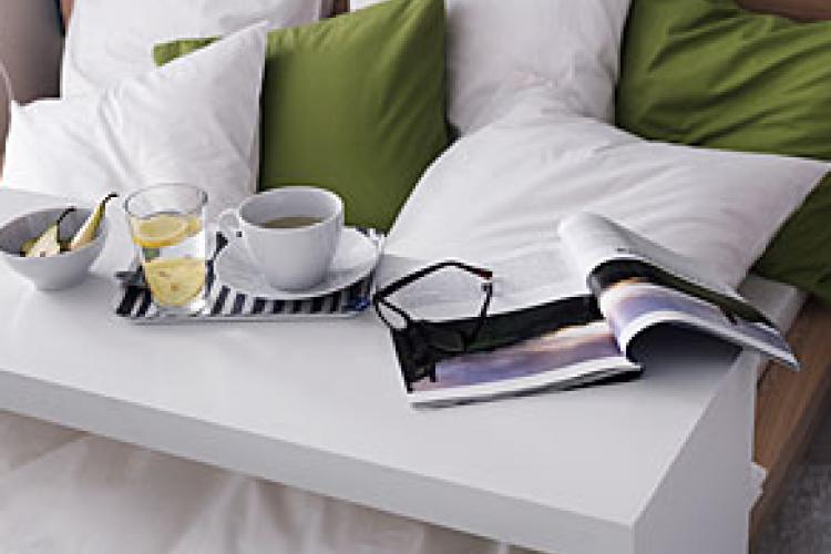Fabriquer Une Console De Lit Comme Celle De Chez Ikea Table De Lit Table De Lit Ikea Malm Table D Appoint
