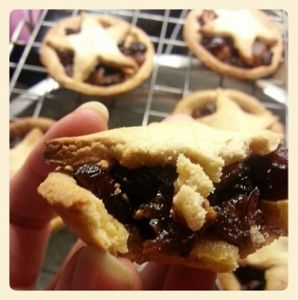Fabulously moreish gluten free mince pies are one of the paleo ...