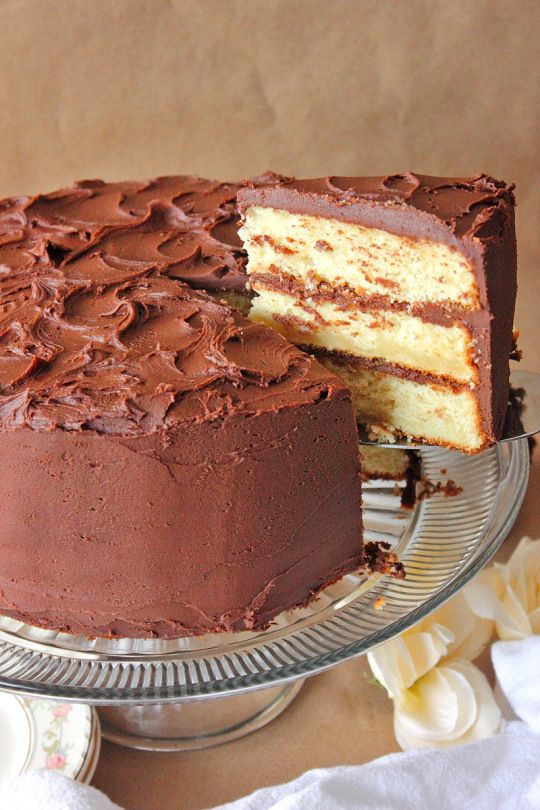 3 Layer French Vanilla Pudding Cake Chocolate Fudge Frosting