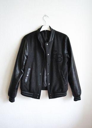 5e29a88f48638 varsity czarna skórzana skórzane rękawy baseballówka bejsbolówka  baseballówka bluza kurtka