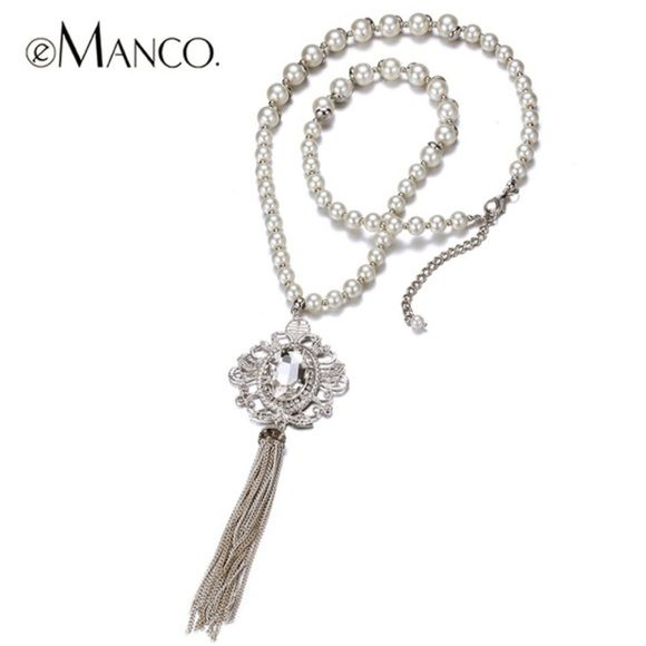 NEW ARRIVAL! VINTAGE INSPIRED LONG PEARL NECKLACES Elegant long Pearl tassel pendant chain necklace. Available in 2 colors: white & black PLEASE LET ME MAKE A LISTING FOR YOU IF YOU ARE INTERESTED NO TRADES ❌QUESTIONS FROM NON SERIOUS BUYERS DO NOT BUNDLE UNLESS YOU INTEND TO BUY ✂️DO NOT LOWBALL ⛔️NO PRICE COMMENTS ⁉️PRICE IS FIRM AND REFLECTED ON FEES AND COST Boutique Jewelry Necklaces