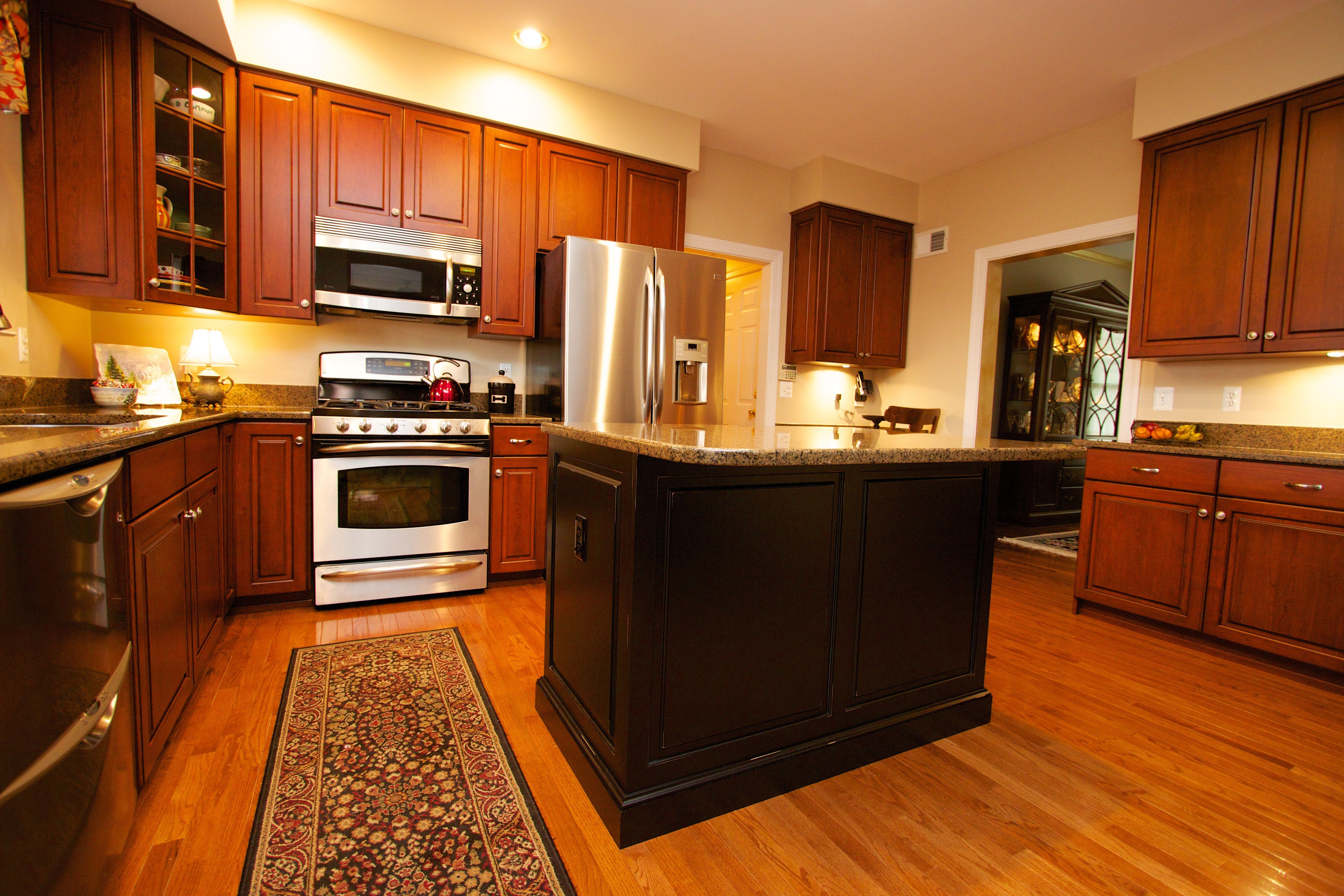 Kitchen Cabinet Refacing Gallery   Custom kitchen cabinets ...