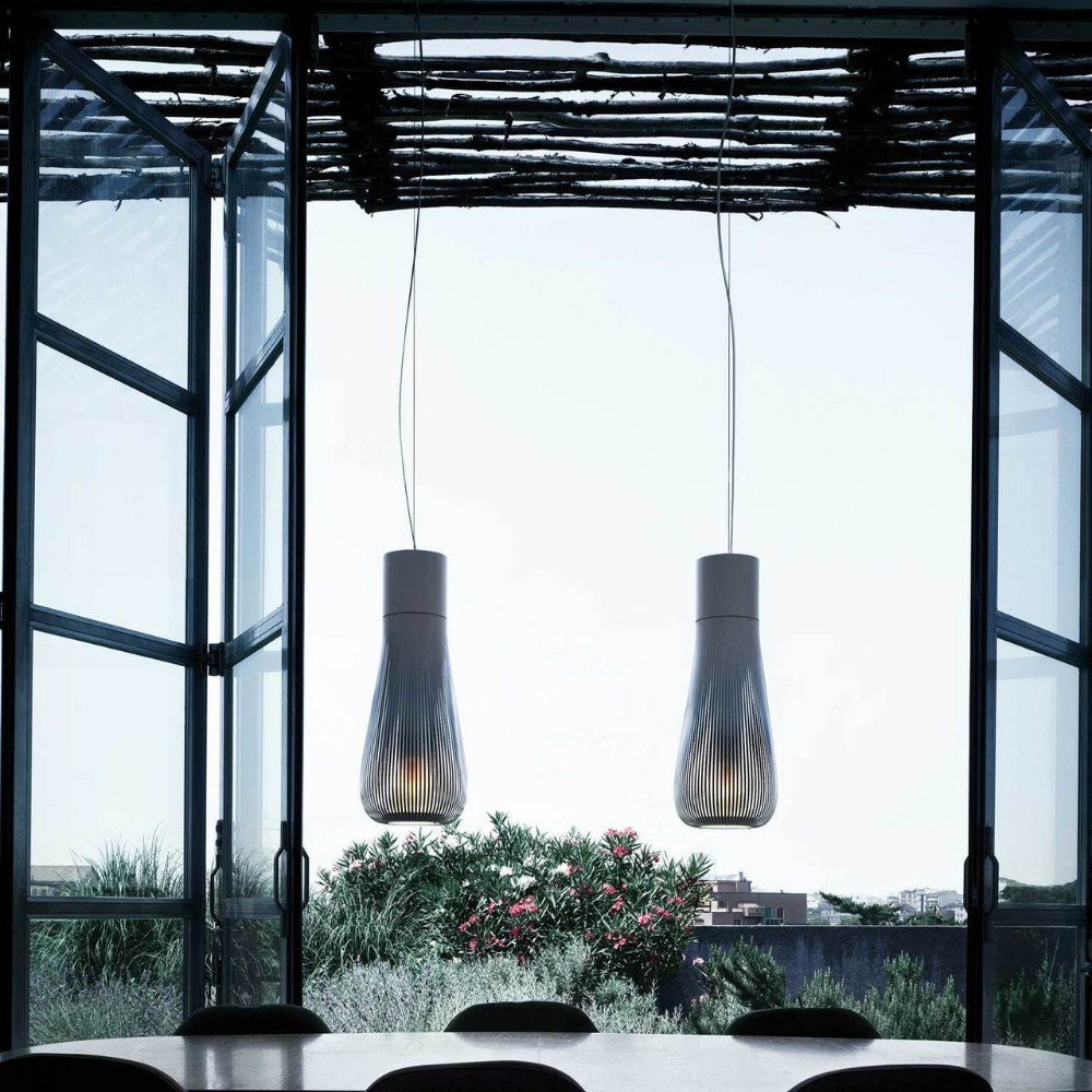 Chasen Pendant Dimmable Light In White Or Black Flos
