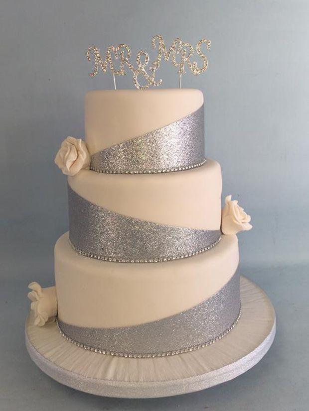 25 atemberaubende funkelnde & metallische Hochzeitstorten | Hochzeitenonline   – Angela's wedding