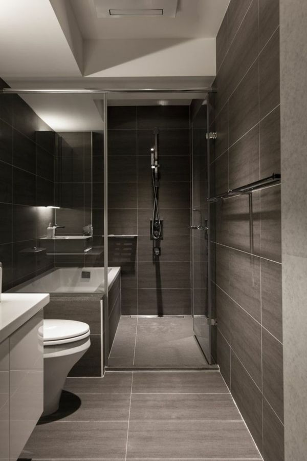 No glass shower and dark shower area and light tub area Maison