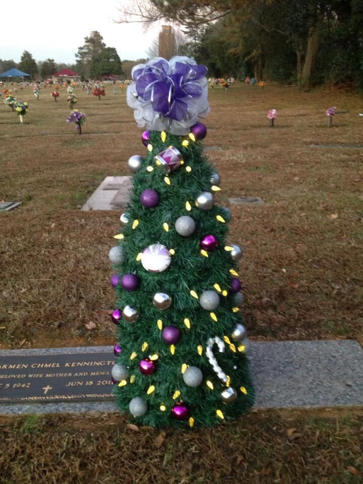momas christmas tree with solar lights grave flowers cemetery flowers funeral flowers funeral