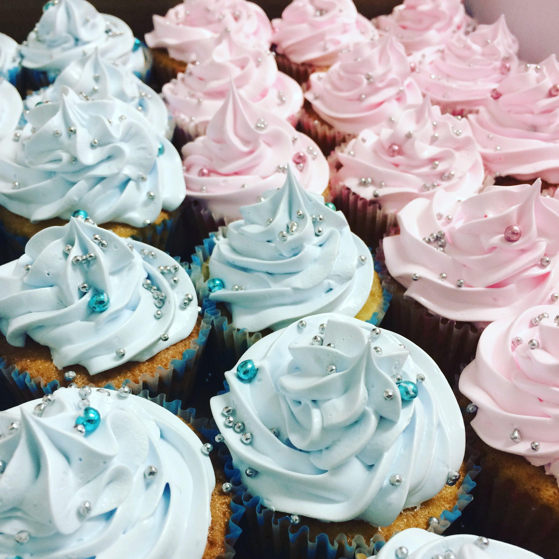 Cupcakes candy colors para Chá Revelação!
