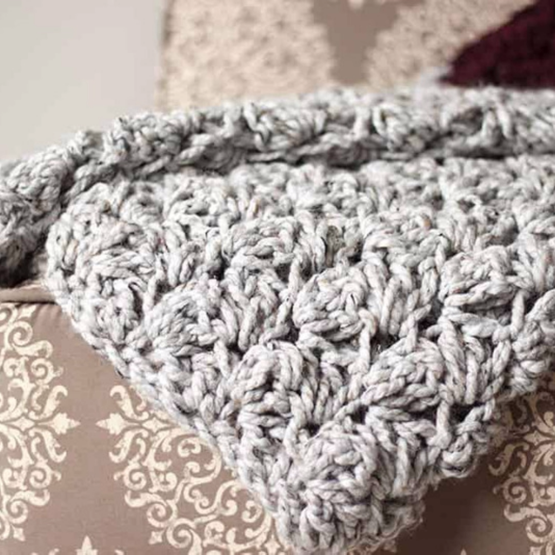 Photo of Use this free crochet pattern to make this beginner-friendly crochet blanket fro…