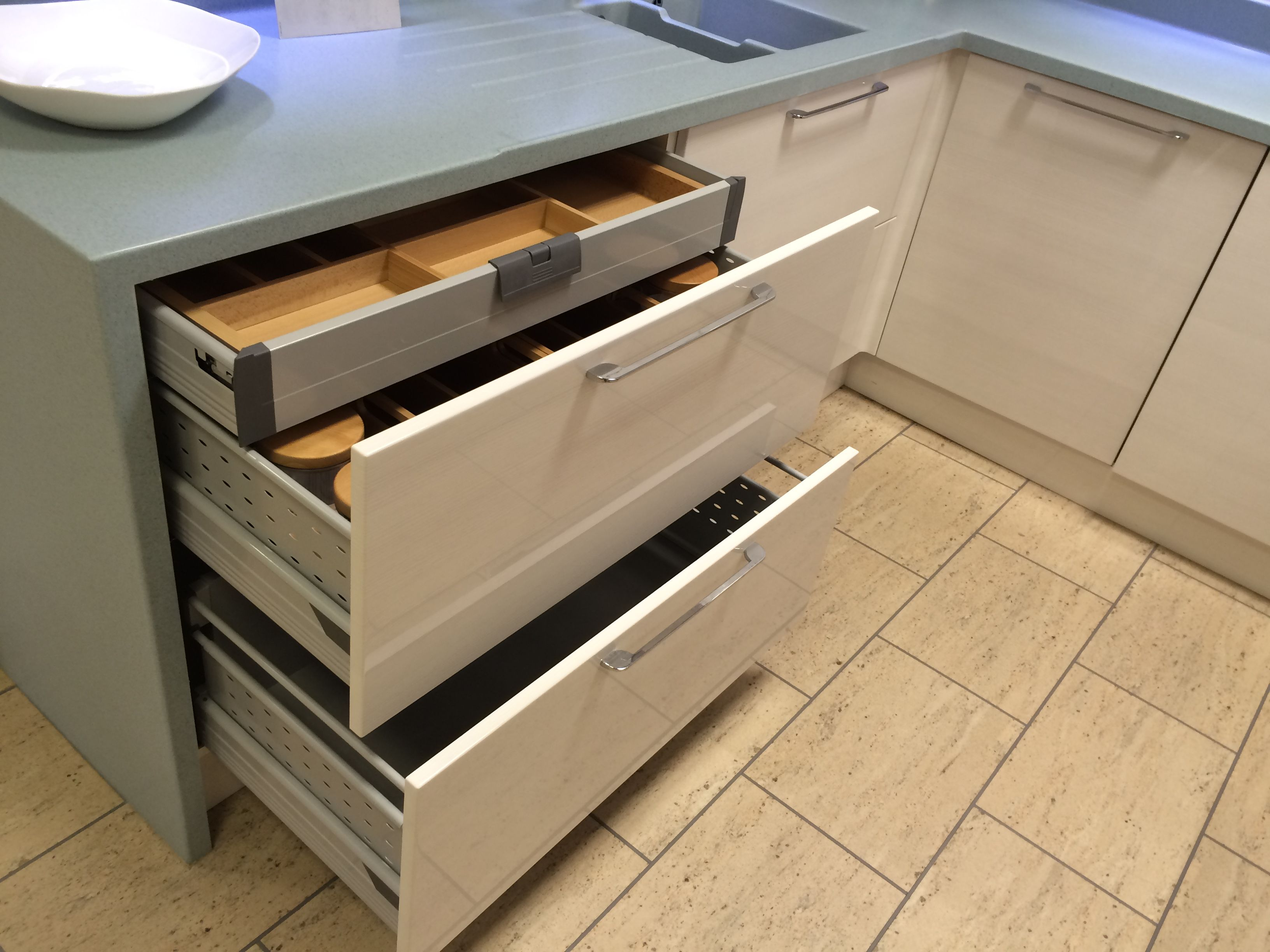Wickes love this wide 'drawer in drawer' system. I want