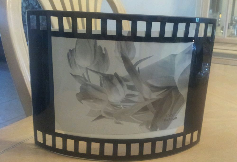 Film frame Picture Movie Strip 35MM Photo Glass Display Portrait Stand 5x7 (7x5)