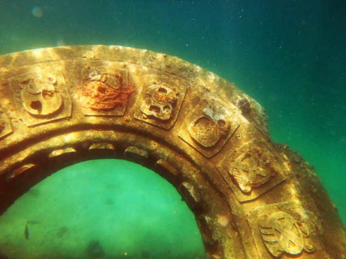 Underwater Mayan Ruins in Roatan, Honduras #travel