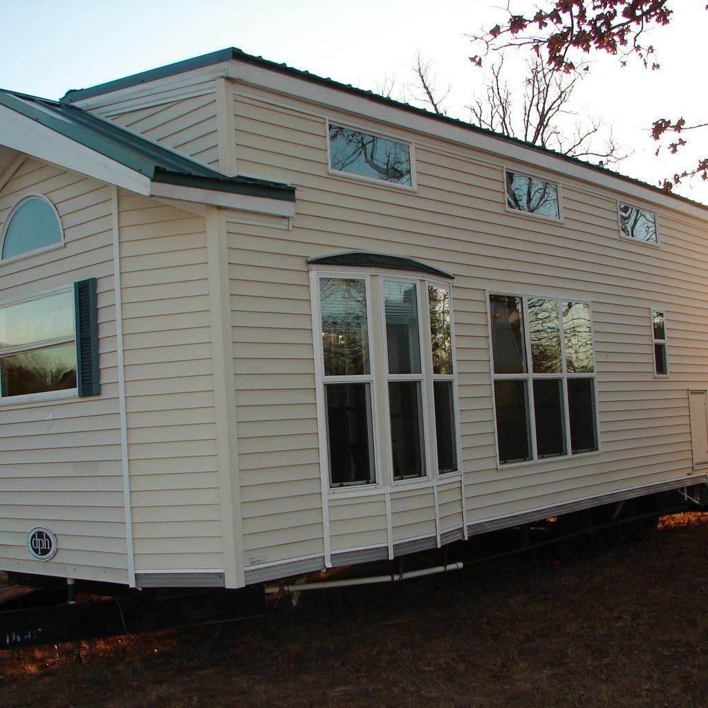 I DO NOT FINANCE PLEASE SERIOUS INQUIRIES ONLY This Is A 2008 Model Made By Dutch Park Homes It Has Huge Loft Above Little Over Half Of The Trailer