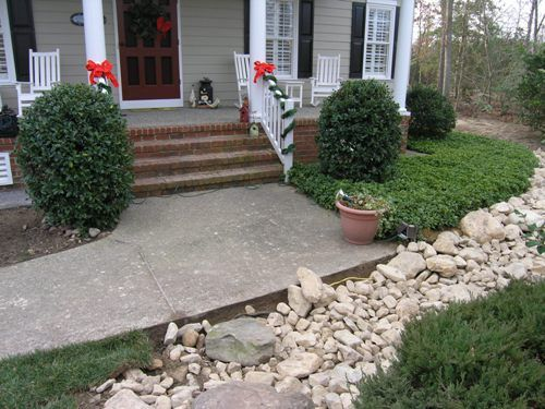 Image Result For Front Yard Slopes Toward House Lawn And Garden Front Yard Landscape Projects