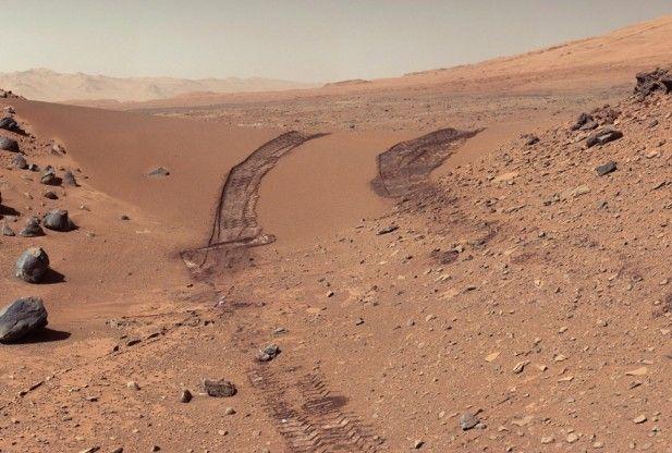 """El Centro de Astrobiología (INTA-CSIC) y el Instituto de Ciencias de Materials de Madrid crearon """"MARTE"""", una cámara de vacío que reproduce en la Tierra las condiciones que hay en la superficie marciana. El laboratorio es una prueba para mejorar los instrumentos que el Curiosity está utilizando ahora en el planeta rojo."""