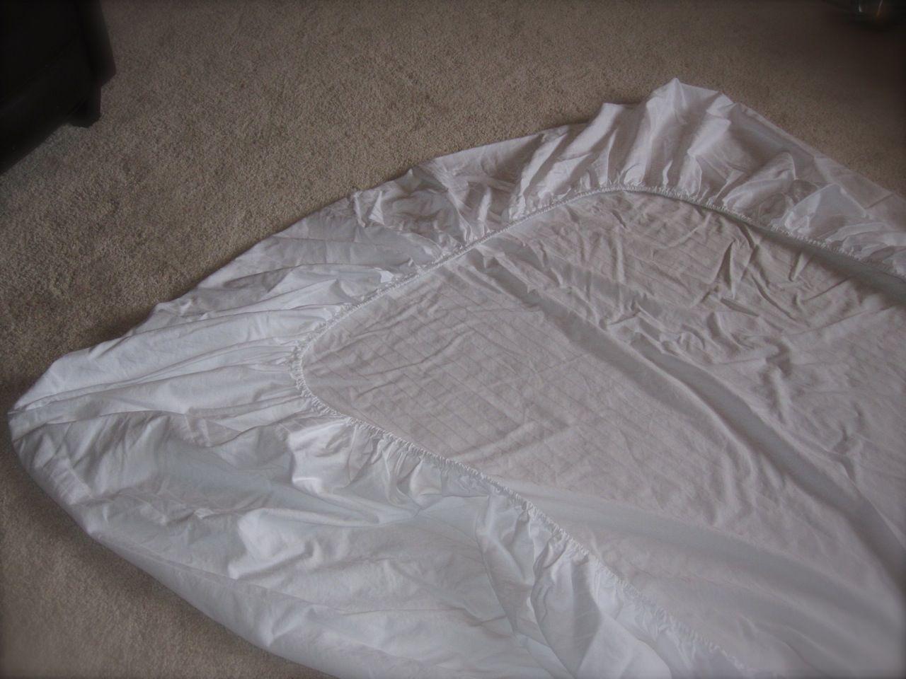 les 25 meilleures id es de la cat gorie pliage de draps. Black Bedroom Furniture Sets. Home Design Ideas