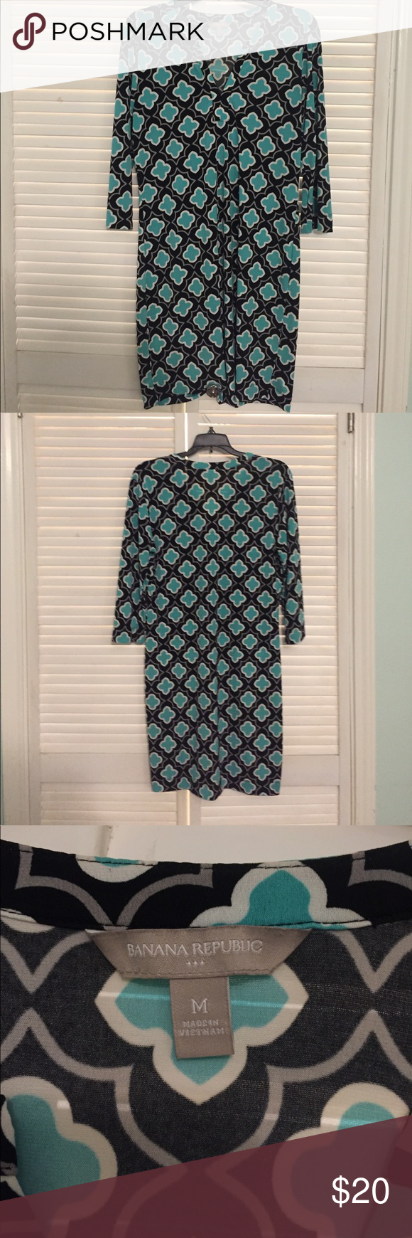 3/4 Sleeve Blue and Black dress Really nice 3/4 sleeve Banana Republic black and blue printed dress, great for the spring and fall! Banana Republic Dresses Midi