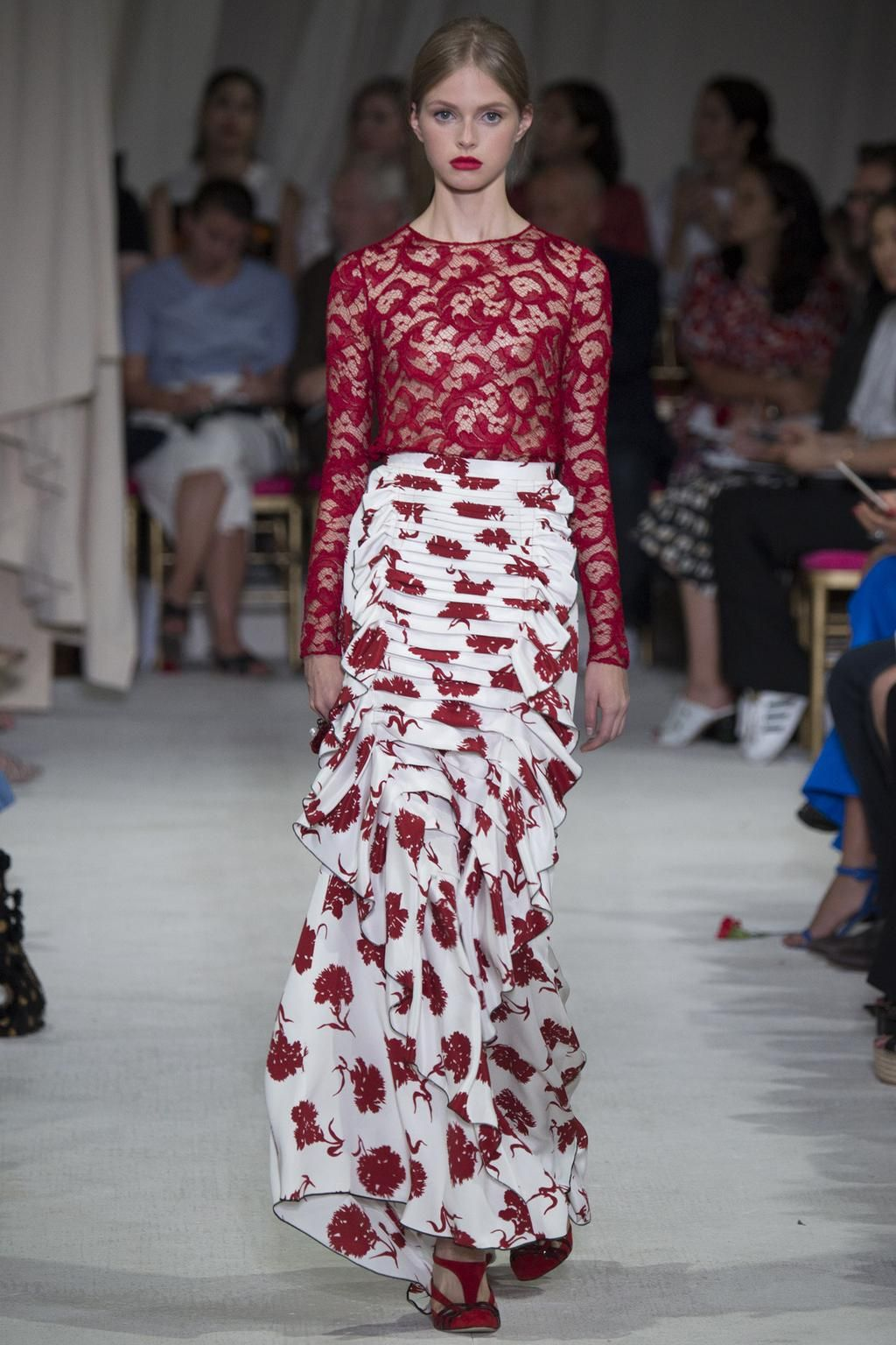 """""""A gorgeous and utterly extravagant collection"""" - read the Vogue verdict on @OscarPRGirl http://vogue.uk/vyVfCF"""