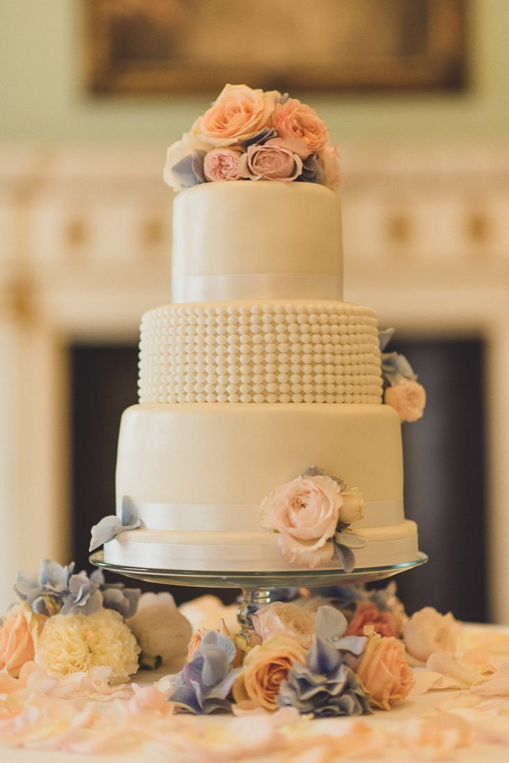 Michelle & Sam Wedding Cake #mylondonweddingplanner