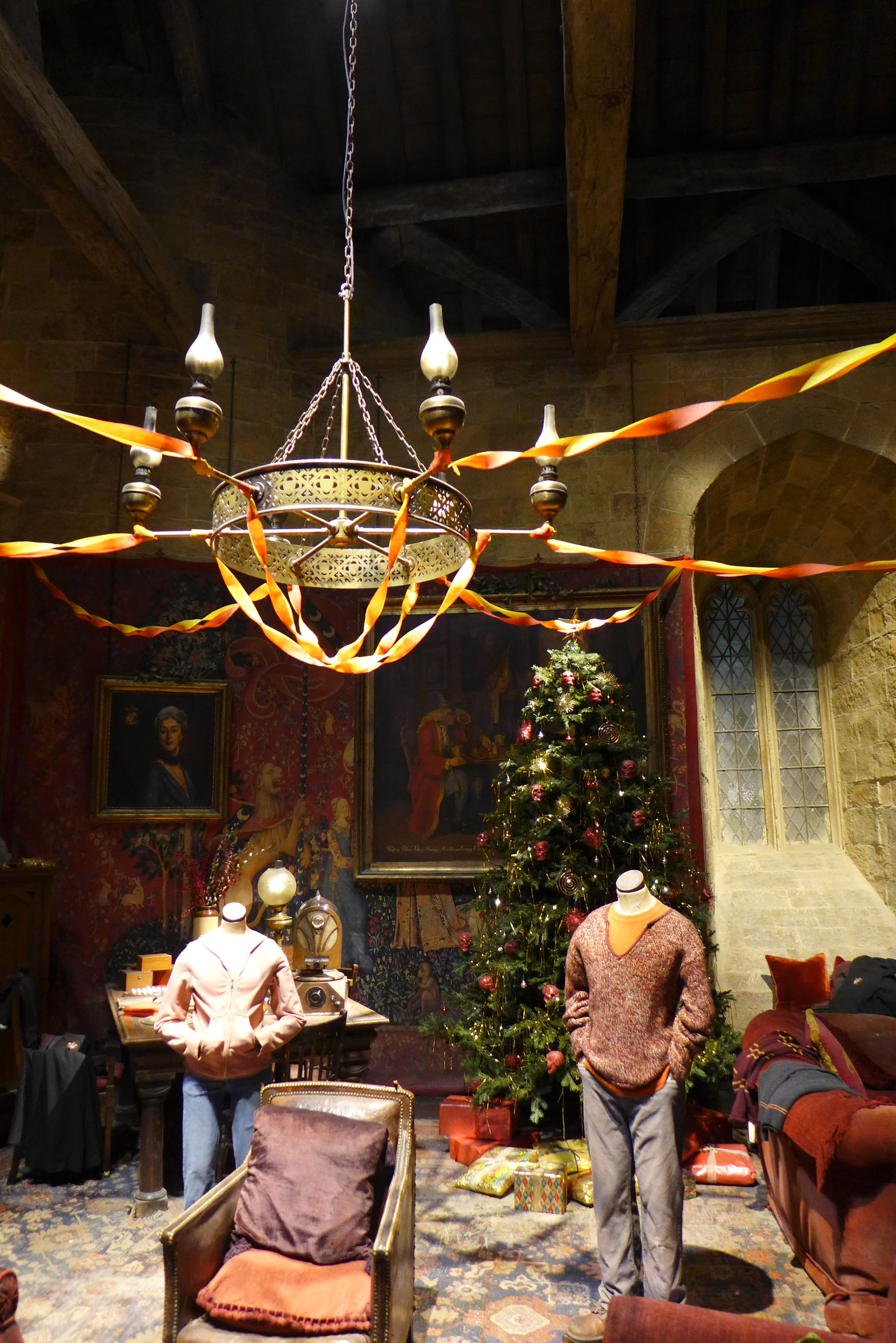 the best attitude 18c8b f4f30 Image result for harry potter chandelier | Gryffindor Common ...