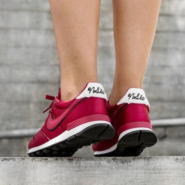 cheap for discount 966ac 6c07b Nike Wmns Internationalist Heat | EU 36 – 41 | 99€ | check link in