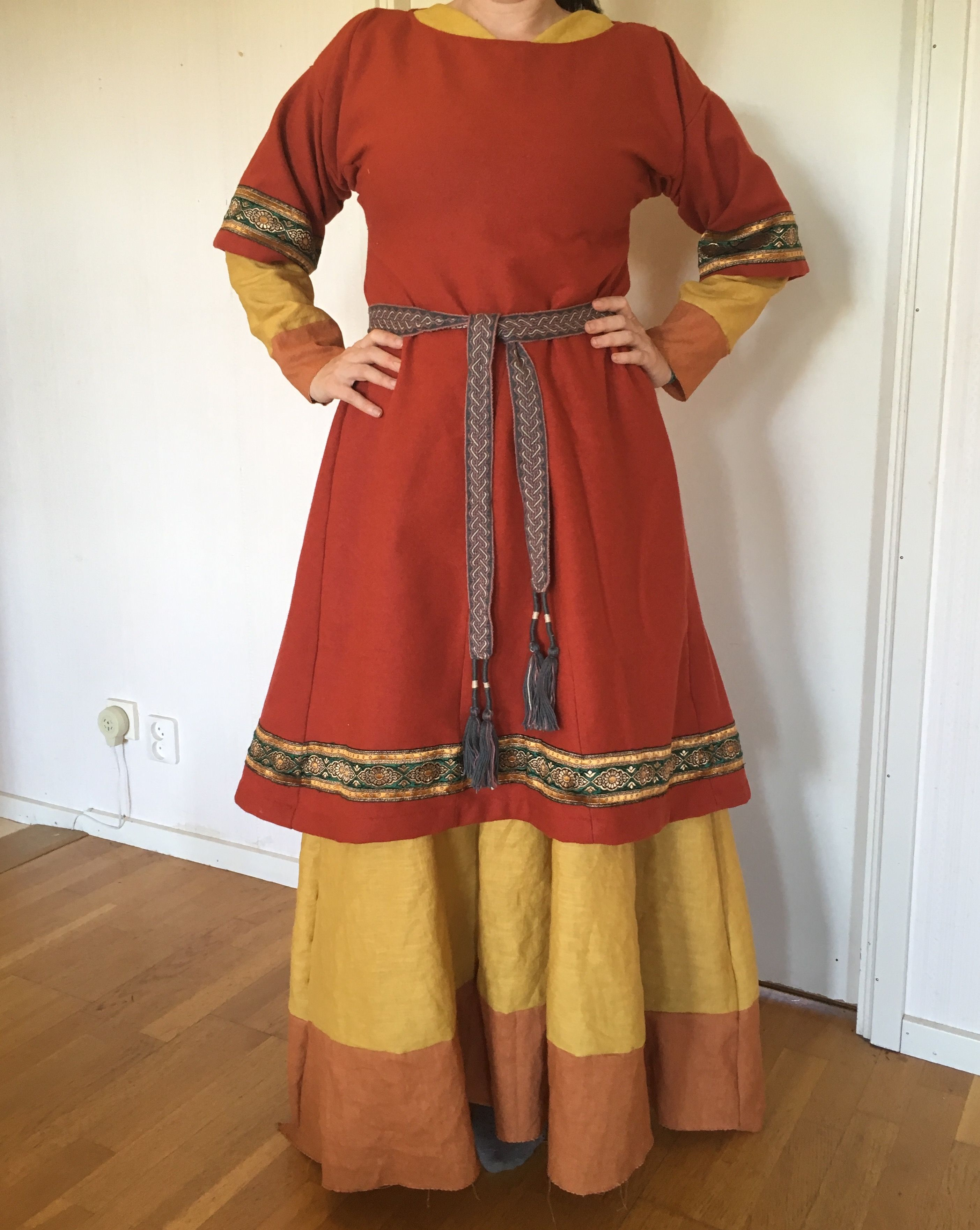Medieval garb  Eastern Europe Slavic/Russian 12th century
